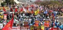 """""""Não vai ter golpe"""": manifestantes pró-Dilma fazem ato em todo o Brasil"""