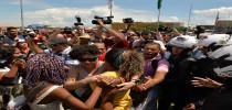 Protesto contra racismo reúne cerca de 20 mil pessoas