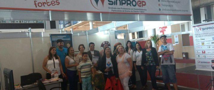 Participação do Sinproep na Feira do Livro foi um sucesso